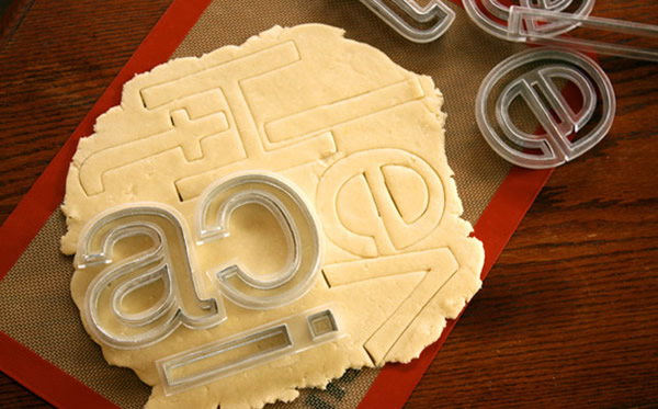 Faire des Cookies en Helvetica par Beverly Hsu 4