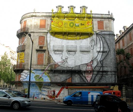 Blu et Os Gemeos font une peinture murale géante à Lisbonne   2