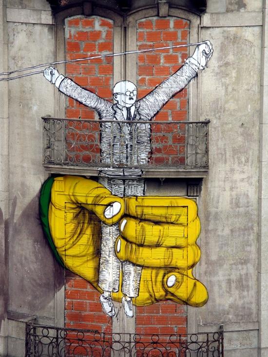 Blu et Os Gemeos font une peinture murale géante à Lisbonne   1
