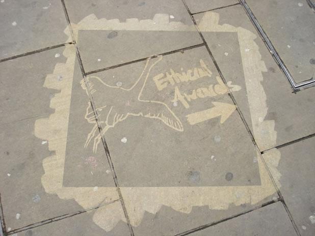 Concept Street-Art/publicités Ecolo avec le Tag propre Cleancom 3