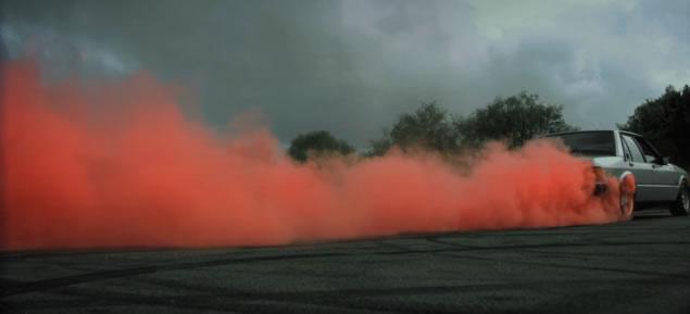 Du Burn, des femmes, du slowmotion et des couleurs pour Ksubi 3
