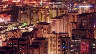 Superbe time-lapse de nuit d'Abu Dhabi