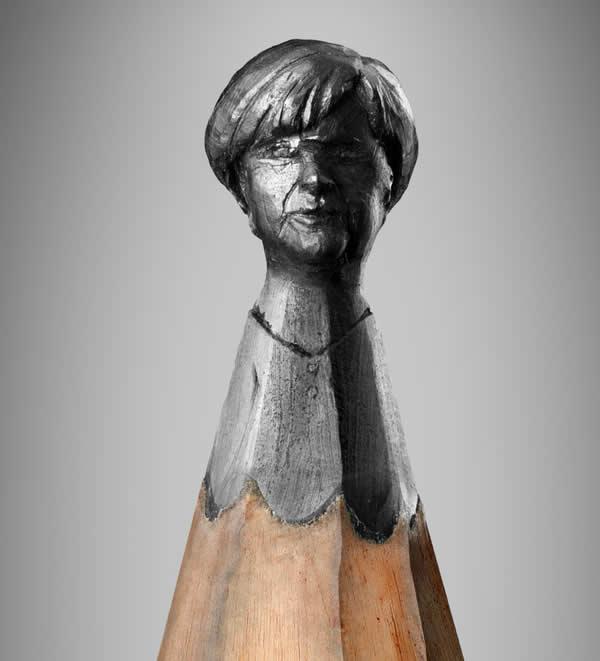 Obama, Merkel et  Sarkozy sculptés sur des mines de crayons 8