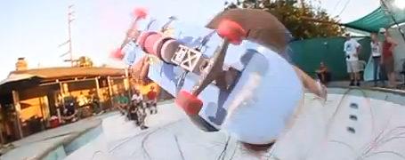 StreetArt créé en skate à la volée par D*Face 12