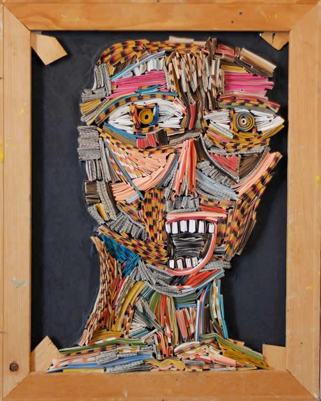 Les sculptures humaines créées avec des livres 8