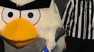 HockeyBird - La mascotte AngryBird pour la coupe du monde de hockey 2012