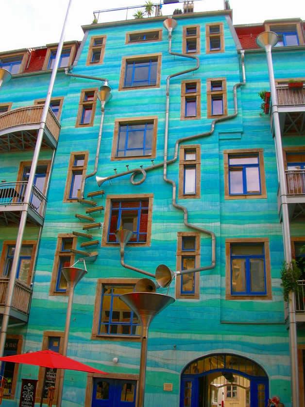 Décoration musicale pour la récupération d'eau de pluie (funnel wall) 4