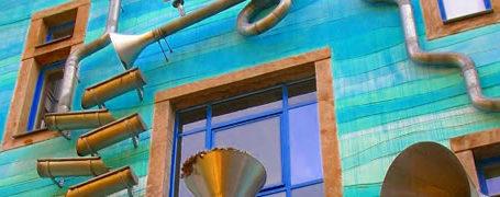 Décoration musicale pour la récupération d'eau de pluie (funnel wall) 5