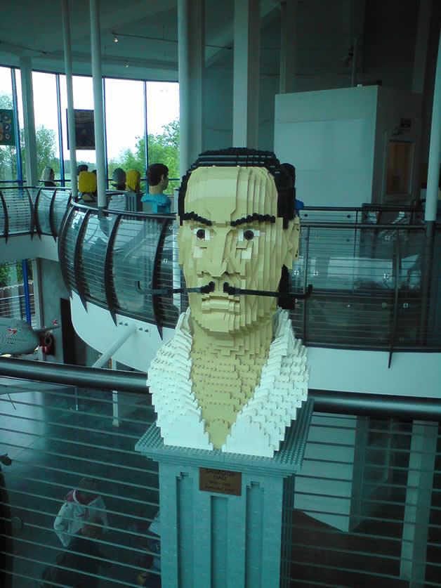 14 Personnages célèbres en Lego 15