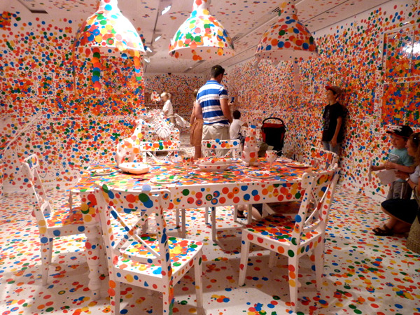 The obliteration room - 1 million de stickers 10