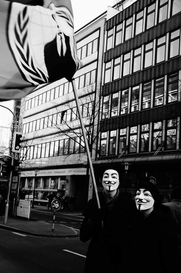 30 superbes photos de manifestations contre ACTA 5