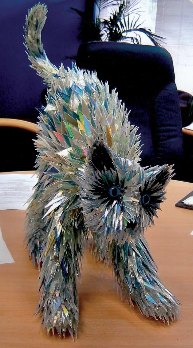 Sculptures créées avec des vieux CD 3