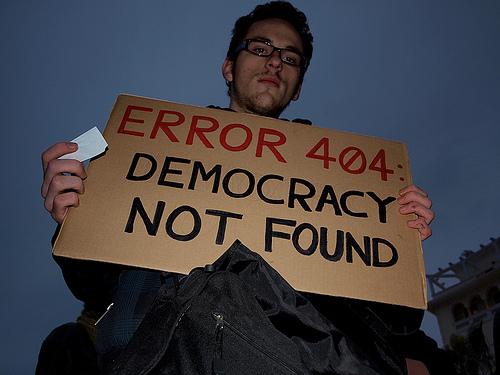 25 panneaux de protestations fun contre ACTA 21