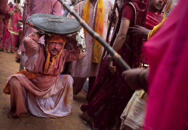 Holi Festival en Inde par Kevin Frayer 3