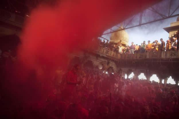 Holi Festival en Inde par Kevin Frayer 4