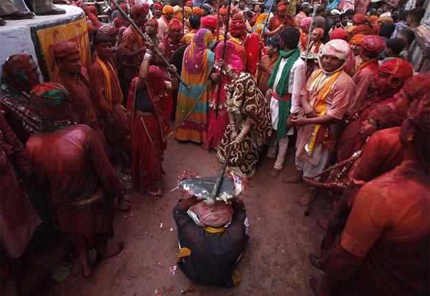 Holi Festival en Inde par Kevin Frayer 8