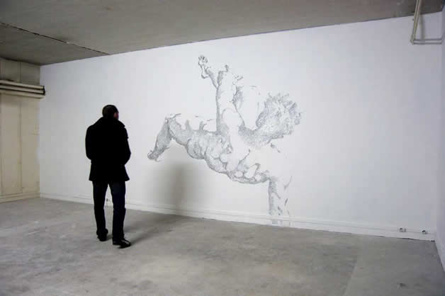Aggravure - une fresque avec des agrafes 9