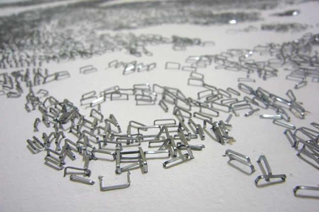 Aggravure - une fresque avec des agrafes  10