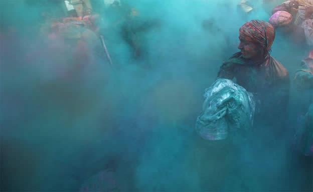 Holi Festival en Inde par Kevin Frayer 11
