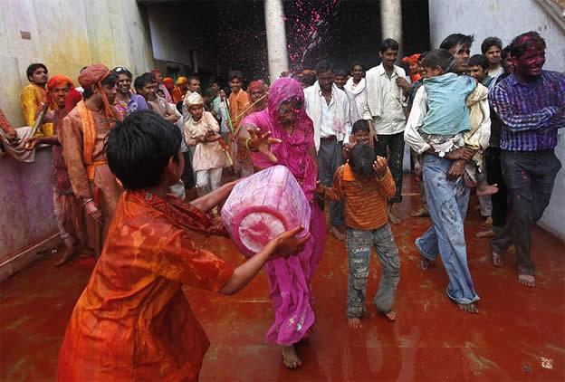 Holi Festival en Inde par Kevin Frayer 14