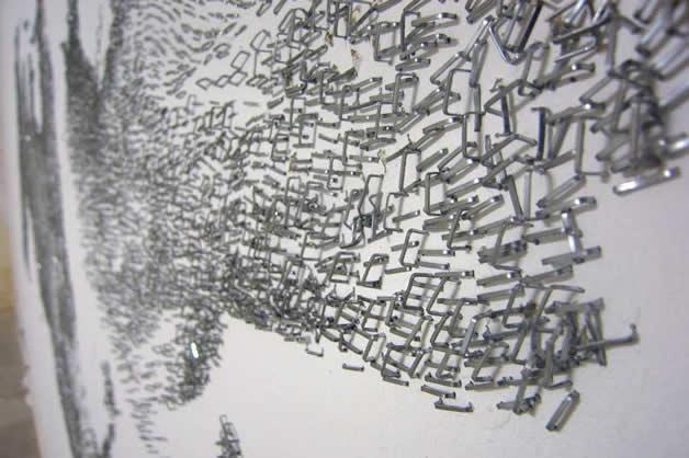 Aggravure - une fresque avec des agrafes  14