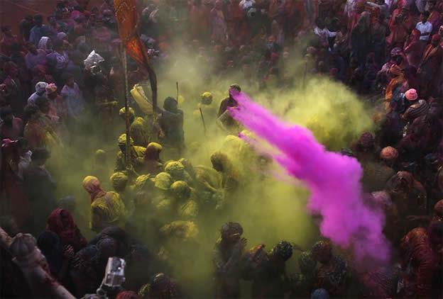 Holi Festival en Inde par Kevin Frayer 16