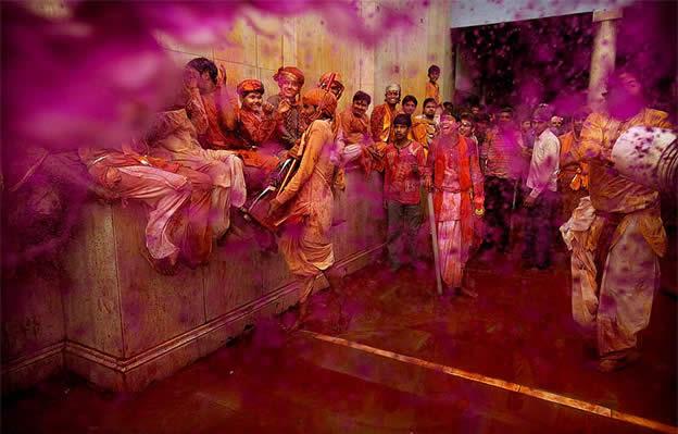 Holi Festival en Inde par Kevin Frayer 18