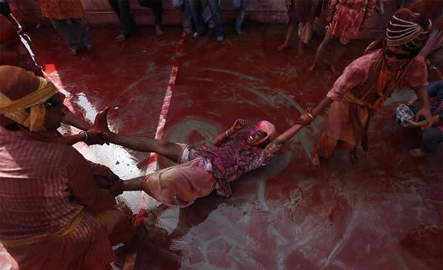 Holi Festival en Inde par Kevin Frayer 22