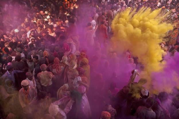 Holi Festival en Inde par Kevin Frayer 23