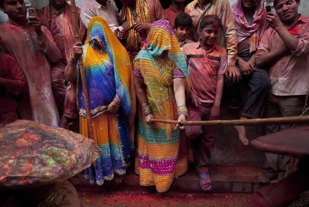 Holi Festival en Inde par Kevin Frayer 25