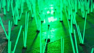 De l'herbe lumineuse en guise de Street-art