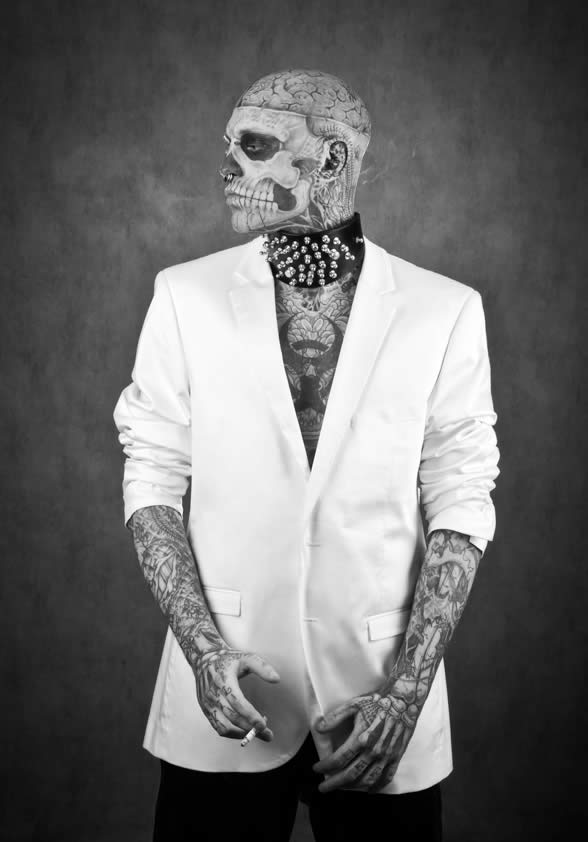 Zombie Boy pose pour Factice Magazine 4