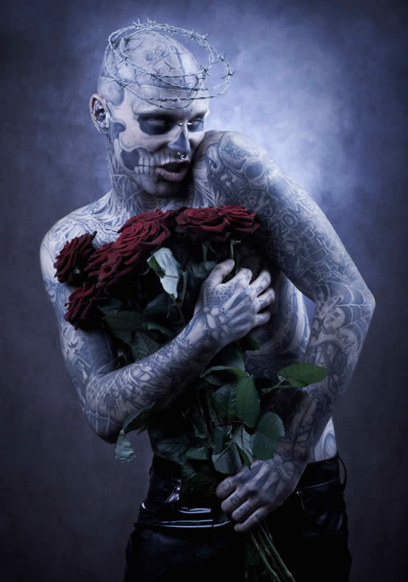 Zombie Boy pose pour Factice Magazine 6