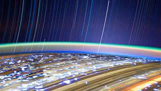 Photos longues poses de la Terre depuis l'espace