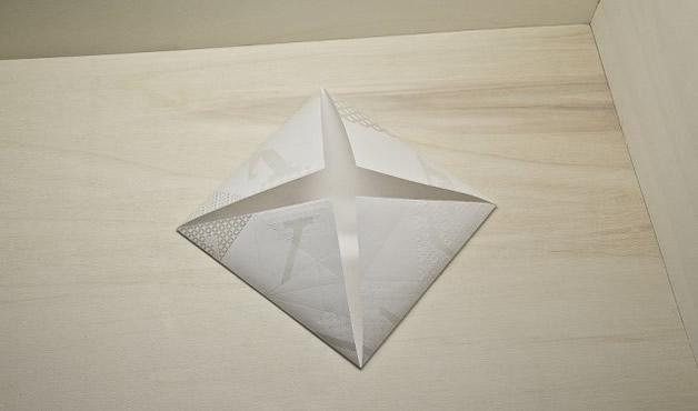 Une invitation en Origami Louis Vuitton 5