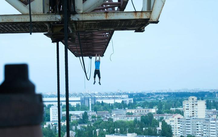 Daredevil suspendu immeubles (6)