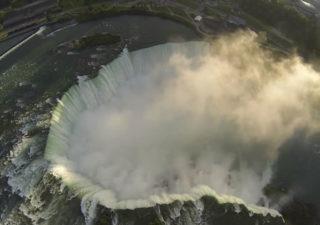 Les chutes du Niagara filmées avec un drone 1
