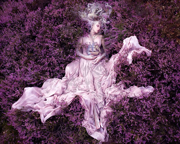 Wonderland Gaia, The Birth Of An End Kirsty Mitchell (3)