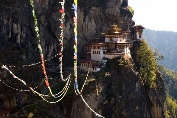 12 Le monastère bouddhiste Taktshang (Bhoutan, 2008)
