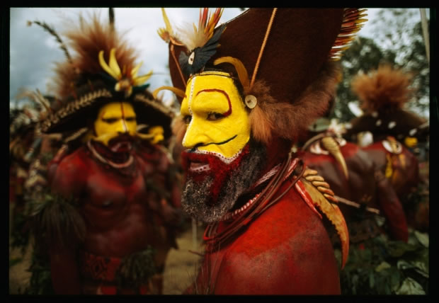 21 Un huli, une ethnie de Papouasie-Nouvelle-Guinée (1998)