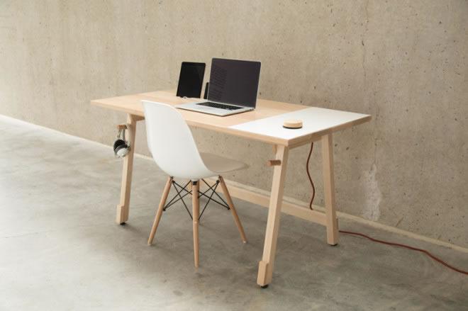 Concept un bureau en bois presque parfait olybop