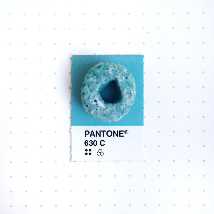 objets-couleur-pantone-17