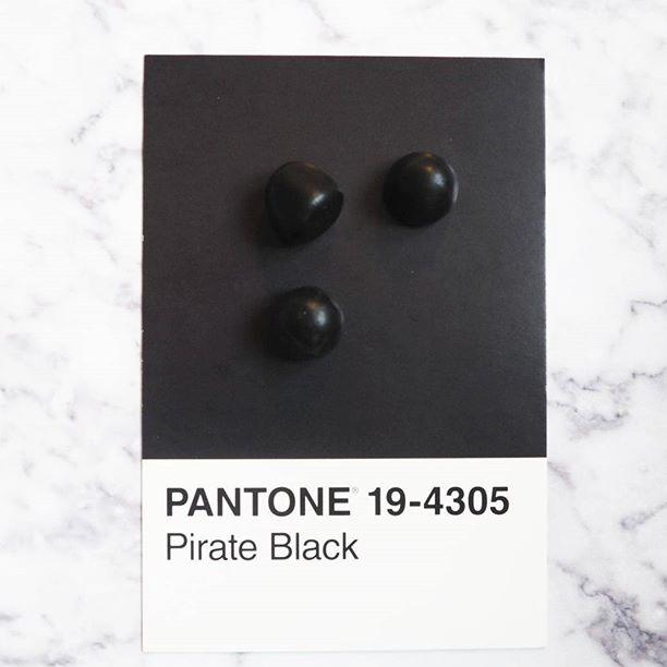 pantone-product-irl-11