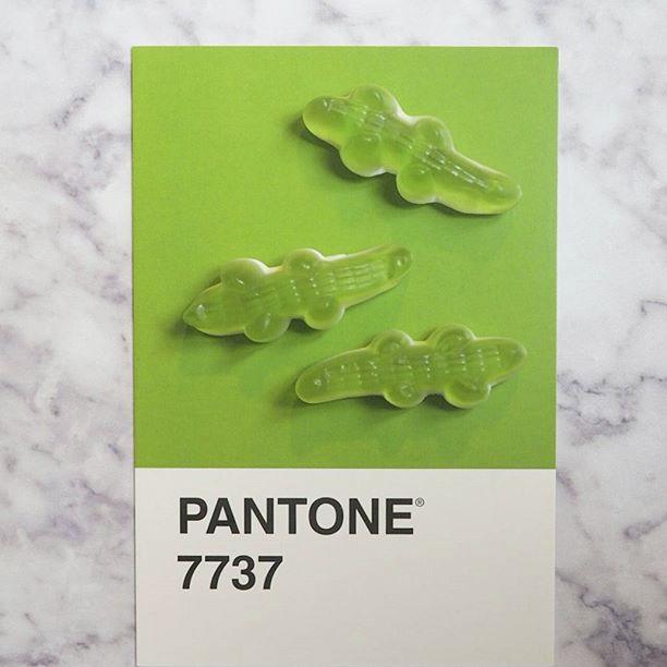pantone-product-irl-12
