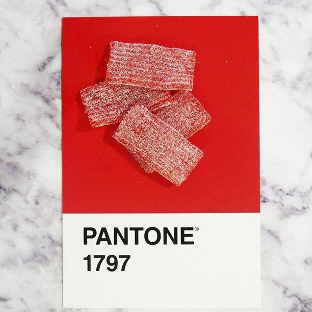 pantone-product-irl-17