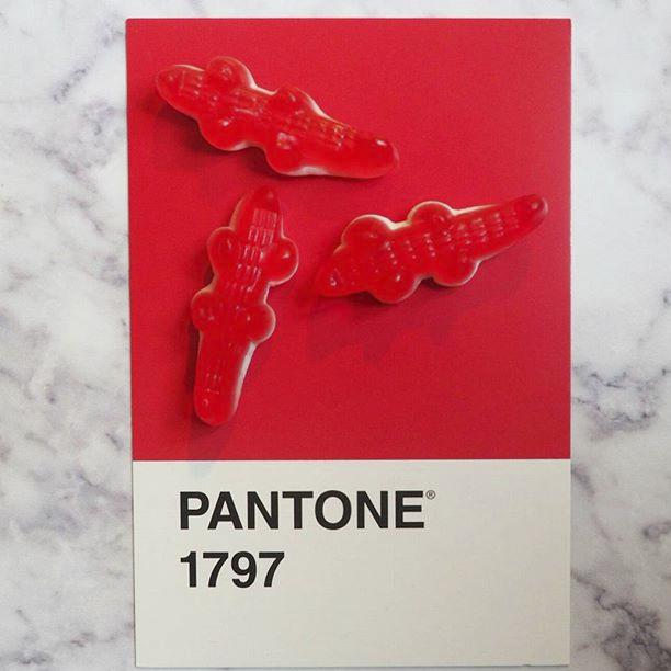 pantone-product-irl-20