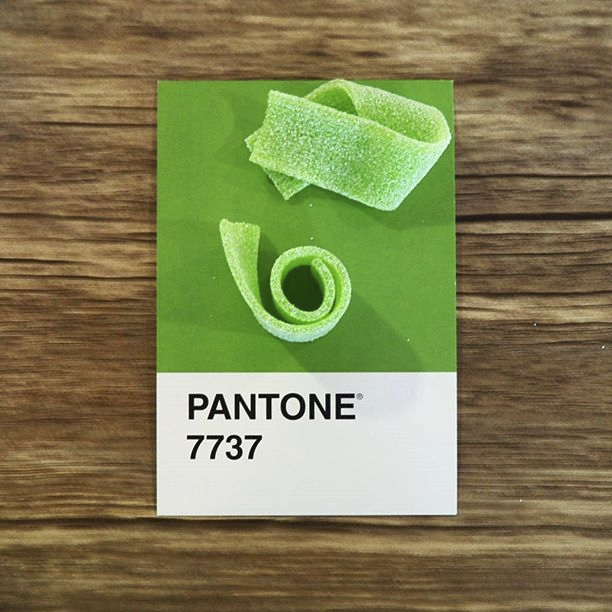 pantone-product-irl-25