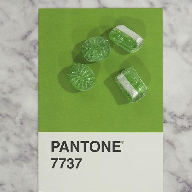 pantone-product-irl-28
