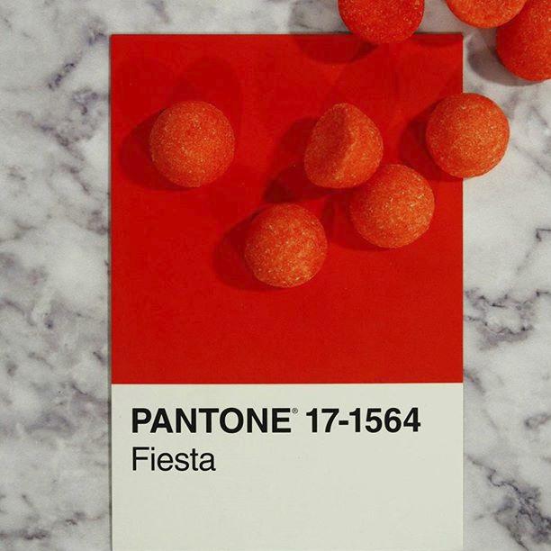 pantone-product-irl-30