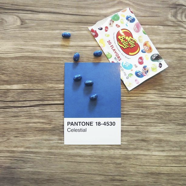 pantone-product-irl-35